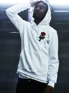 MT 680 Embroidered Rose White