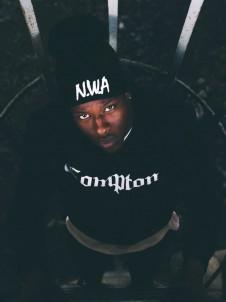 MT 269 Compton Black
